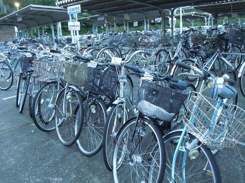 ... まだ使えそうな放置自転車
